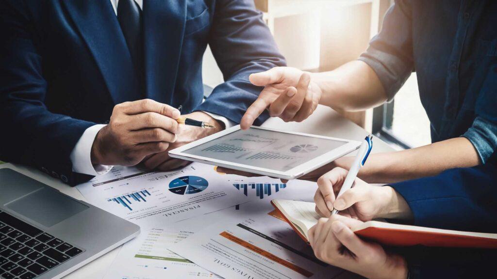 تحلیل داده و هوش کسب و کار business inteligence